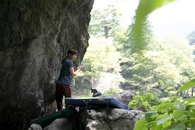 J009579-750x500 ボルダリングのメッカ・御岳で1 Day Trip with マウンテンハードウェア