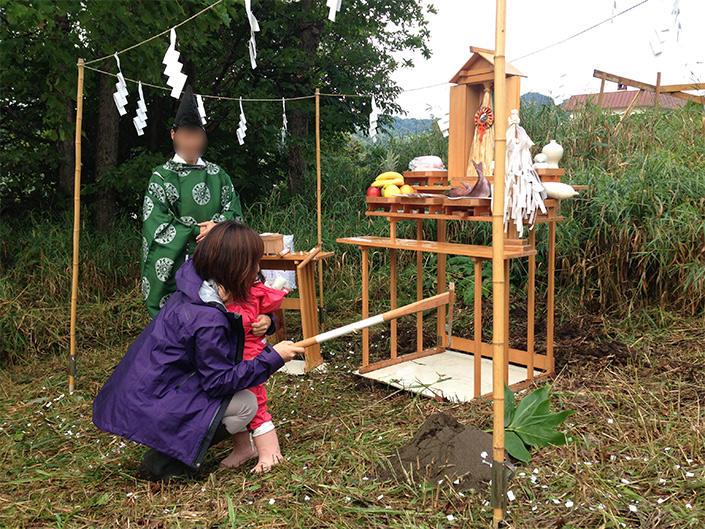csj_openthedoor_v4_img05 地方暮らしに憧れる人々に贈る、東京→北海道移住エッセイ OPEN THE DOOR 第4回 憧れの薪ストーブ生活(1)