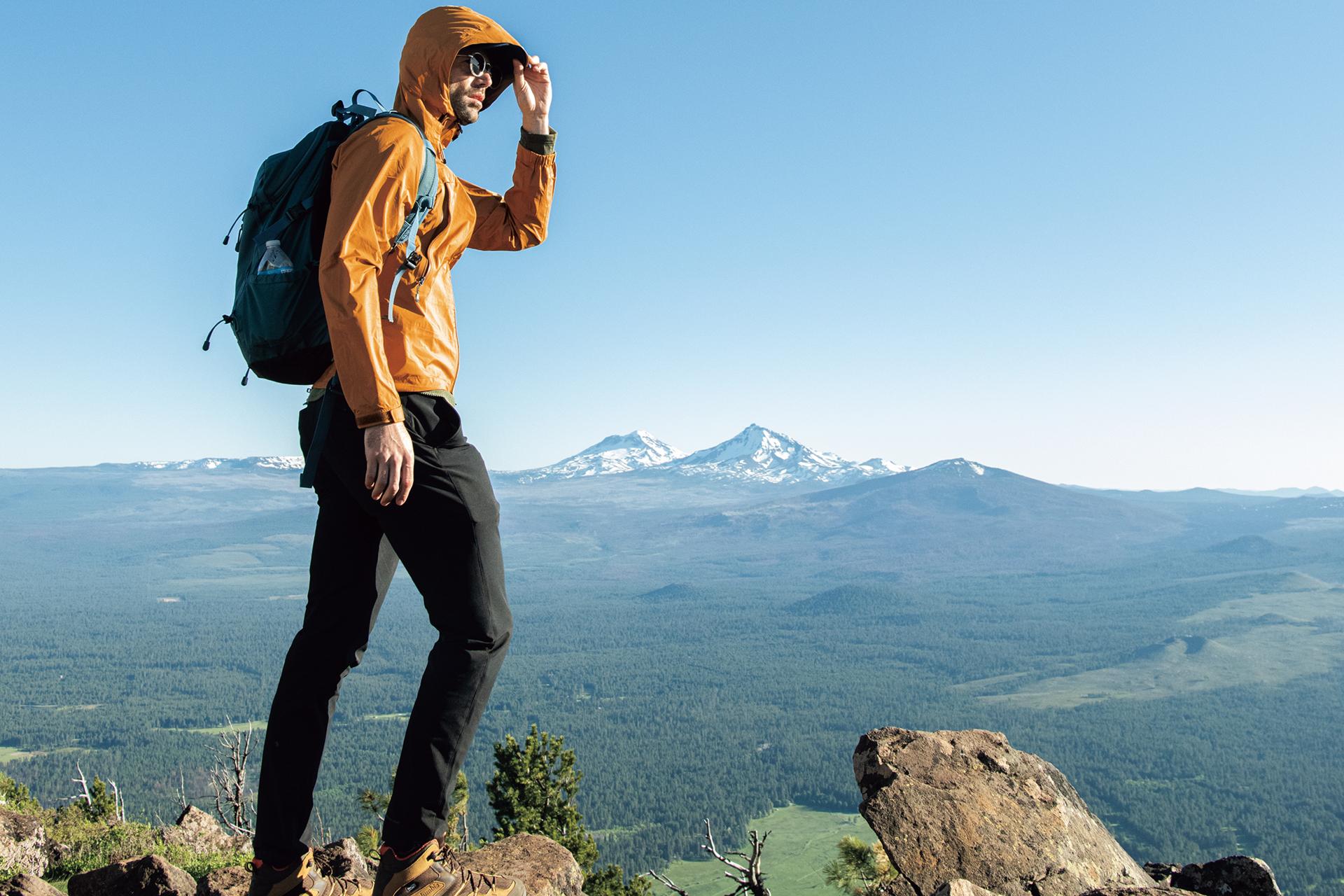 main-F18_7330_mountainsarecalling_high_main 【レインウェア10選】登山からハイキング・ライトアウトドア、ビジネスまで、メンズ・ウィメンズのシーン&目的別レインウェア